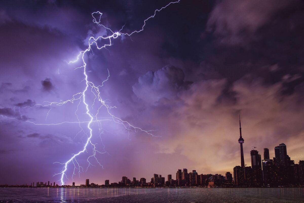 Нужна ли система молниезащиты?